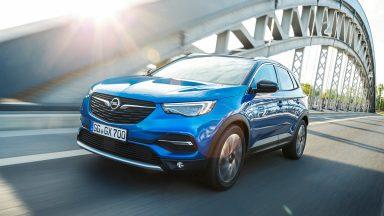 Opel Grandland X: iniziata la produzione dell'ibrida 2WD