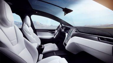Tesla aggiorna l'app ed estende l'autonomia residua