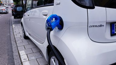 Auto elettriche: un progetto sul riciclo delle batterie