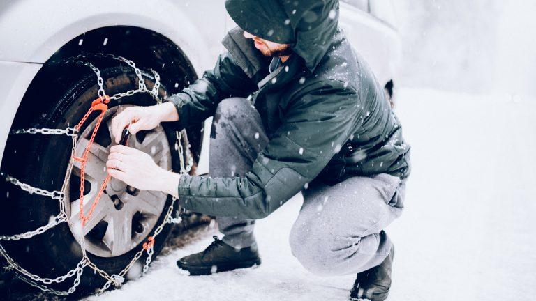 montaggio catene da neve