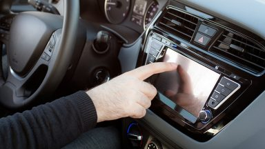 Kit vivavoce bluetooth per auto: come si monta e cosa serve