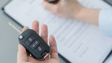 Acquistare un'auto usata: documenti necessari e normativa