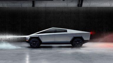 Tesla Cybertruck: ci sarà anche la versione Plaid?