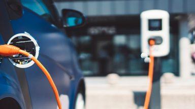 Guida alle auto ibride plug-in 2020: come funzionano, prezzi