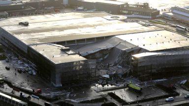 Opel Zafira va a fuoco: crolla garage in aeroporto
