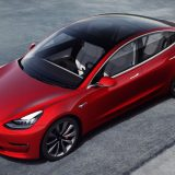 Tesla Model 3: arriva la ricarica wireless per smartphone