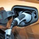 Autonomia auto elettriche, i modelli che fanno più km con una ricarica