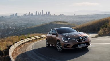 Renault Megane: il restyling porte in dote l'ibrido plug-in