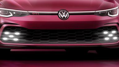 Volkswagen Golf GTI: un teaser ne anticipa il muso