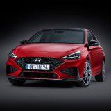 Hyundai i30: il restyling leggero porta i motori ibridi