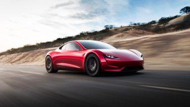 Tesla Roadster: Musk annuncia novità in arrivo a fine anno