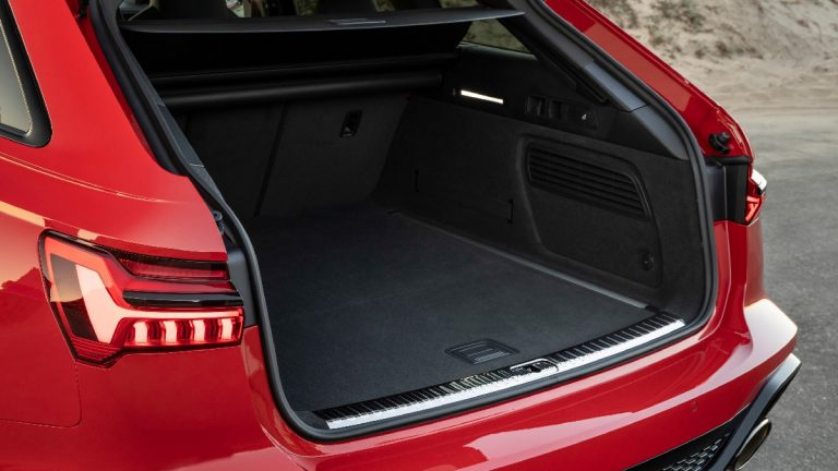 Nuova Audi RS6 Avant - Prezzo, foto e scheda tecnica