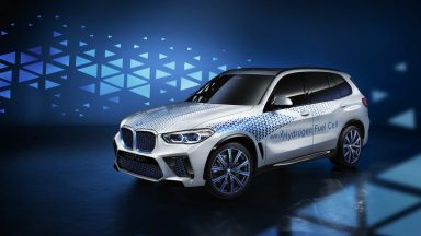 BMW X5: nel 2022 arriva anche la versione a idrogeno