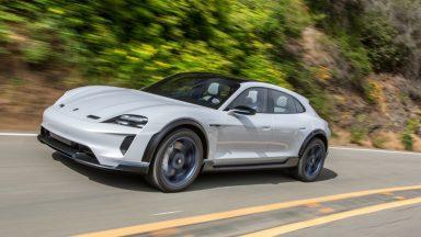 Porsche Taycan Cross Turismo: l'elettrica slitta al 2021