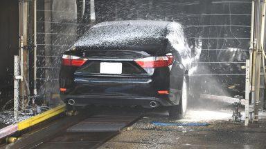 Lavaggio auto: in questo periodo si rischiano multe salate