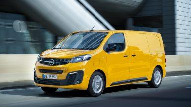 Opel Vivaro-e: 330 Km di autonomia per il furgone elettrico