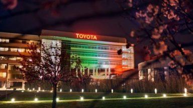Toyota: le concessionarie italiane si tingono di tricolore
