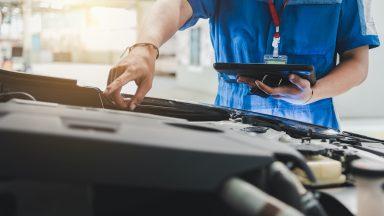 Auto ferma a lungo: come preservare batteria e pneumatici