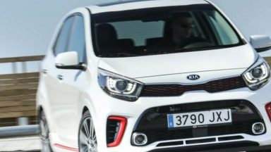 Kia Picanto: tecnologia con Apple CarPlay e Android Auto