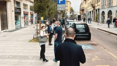 Bonus Mobilità 2020: lunghe code a Milano davanti i negozi