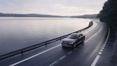 Volvo, su tutte le nuove vetture limite di velocità a 180 km/h