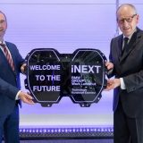 BMW iNext: l'enorma griglia nasconde radar e sensori