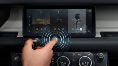 Jaguar Land Rover: ecco il touchscreen contactless