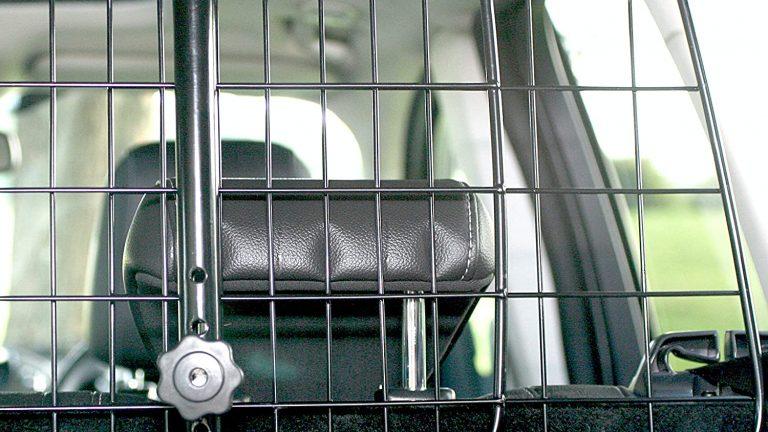 Rete divisoria per il trasporto di animali domestici in auto