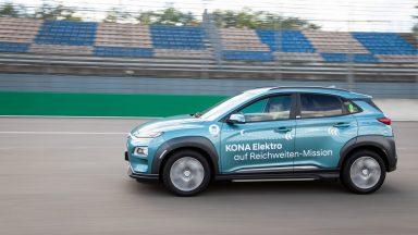 Hyundai Kona Electric: autonomia da record con una ricarica