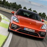 Porsche Panamera: col restyling arriva l'ibrida da 560 CV