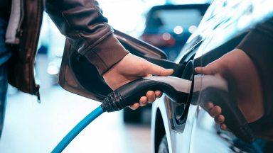 Ecobonus auto 2020, cos'è e come richiedere gli incentivi auto e moto elettriche