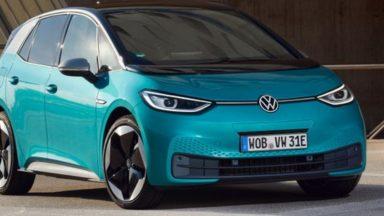 Volkswagen ID.3 da 77 kWh in ricarica presso una IONITY