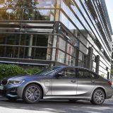 BMW: nuove versioni 320e e 530e a propulsione ibrida Plug-In
