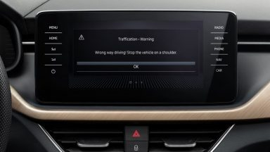 Skoda adotta l'app Traffication: alert per i contromano