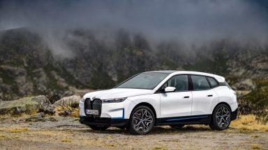 BMW iX: la gamma della nuova SUV a propulsione elettrica