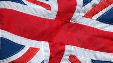 Il Regno Unito apre alla guida autonoma: ALKS