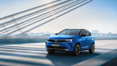Nuova Opel Grandland: cambio di denominazione col restyling
