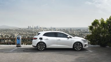 Renault Mégane: al debutto la versione E-Tech Plug-In