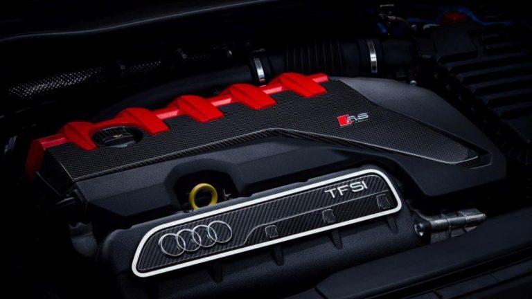 Foto del motore di Audi TT RS Coupé TT RS Coupé 2.5 TFSI quattro S tronic RS