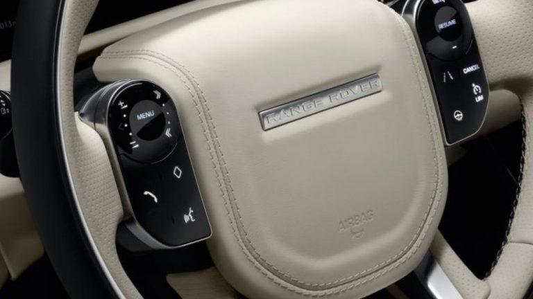 Foto del motore di Land Rover Range Rover Velar Range Rover Velar 2.0 Si4 300 R-Dynamic S 4WD Auto