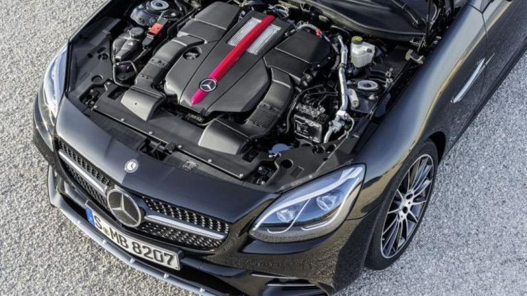 Foto del motore di Mercedes-Benz SLC SLC 300 AMG line