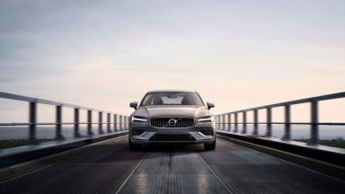 Volvo richiama 2 milioni di vetture: problema alle cinture