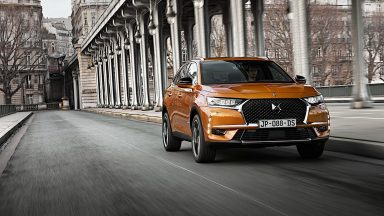 DS 7 Crossback: ecco l'ibrida plug-in da 225 cavalli