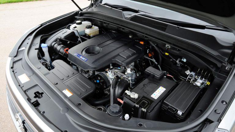 Foto del motore di SsangYong Rexton Rexton 2.2 Road 4WD M/T