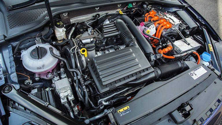 Foto del motore di Volkswagen Golf GT